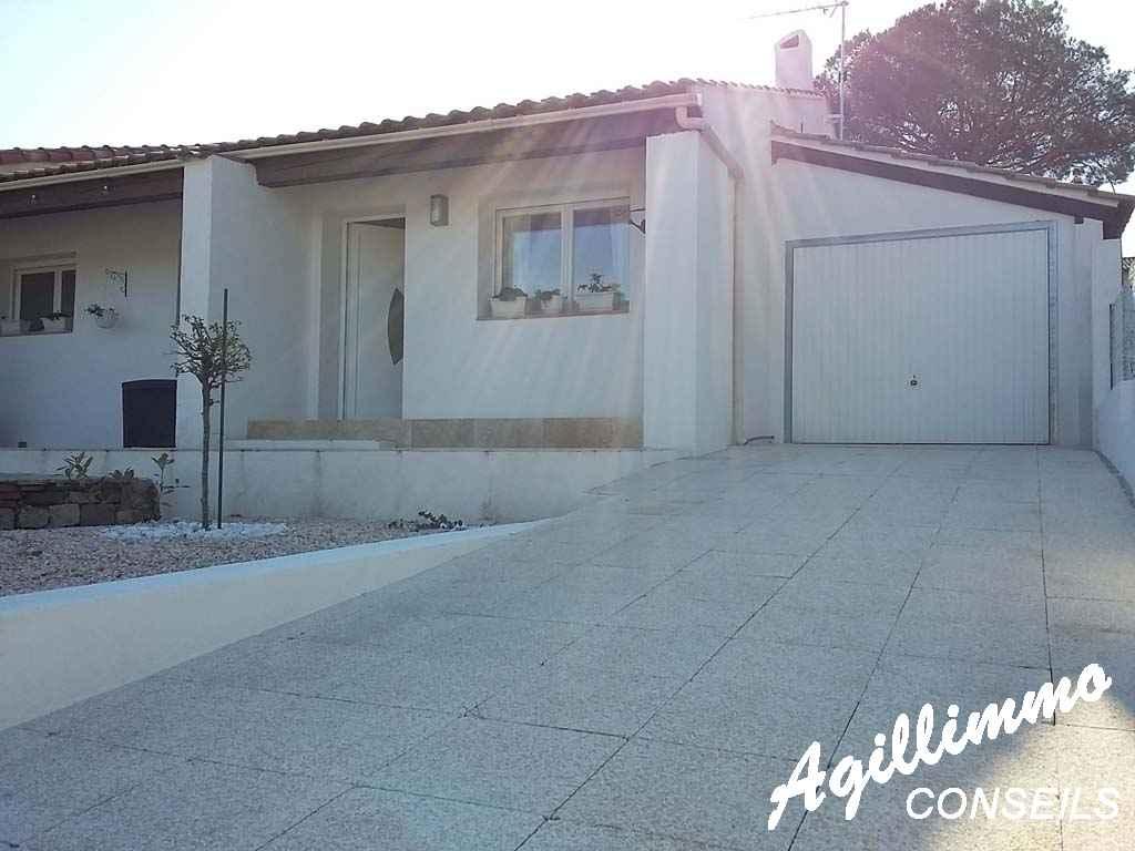 villa moderne avec piscine au calme - PUGET SUR ARGENS - Côte d'Azur