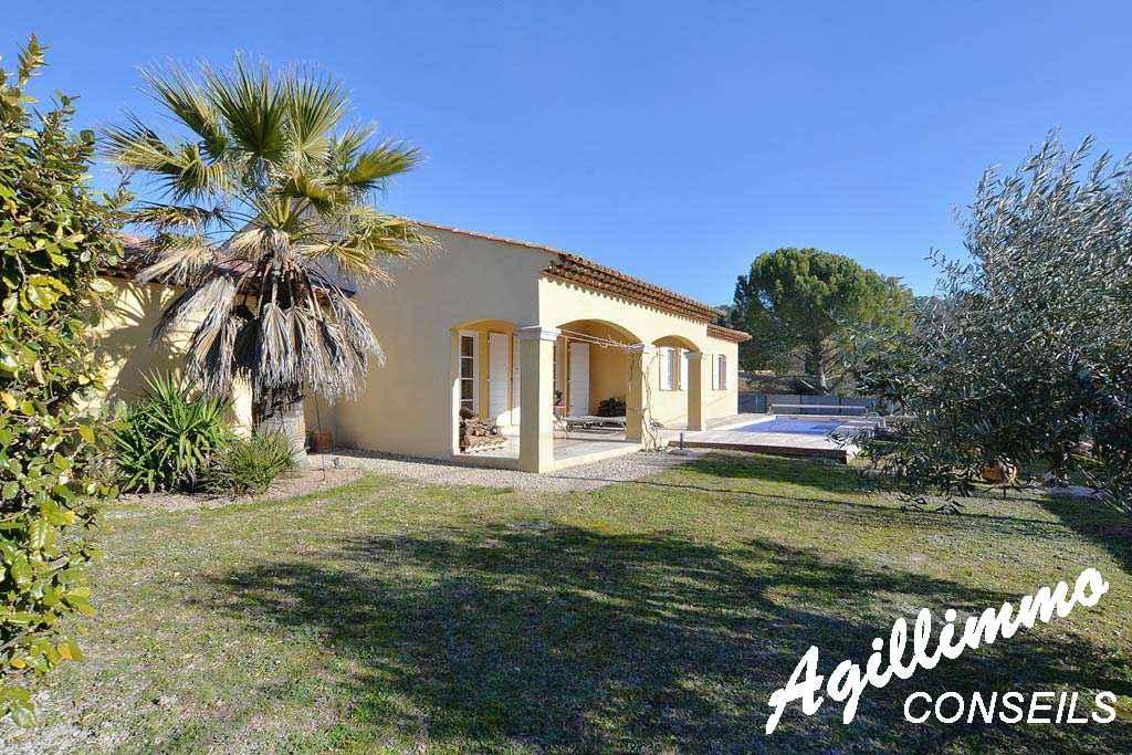 Propriété 6 pièces avec 2 logements - LE MUY - Côte d'Azur