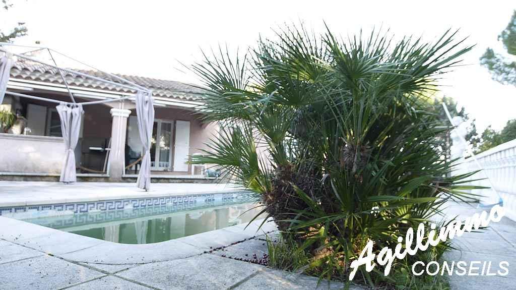 Villa 4 pièces de 100 m2 - PUGET SUR ARGENS - Côte d'Azur