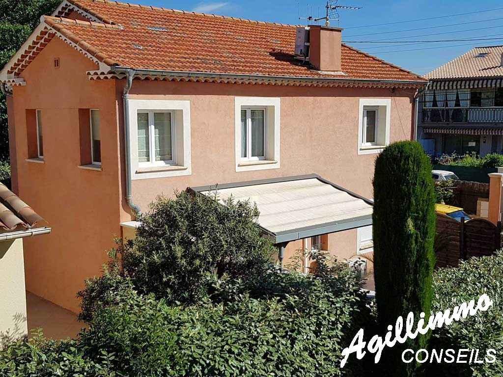 Villa comportant 2 appartements sur 240 M2 de terrain - FREJUS - Côte d'Azur