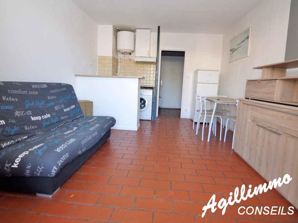 Studio proche centre-ville avec place de parking privative  - PUGET SUR ARGENS - Côte d'Azur