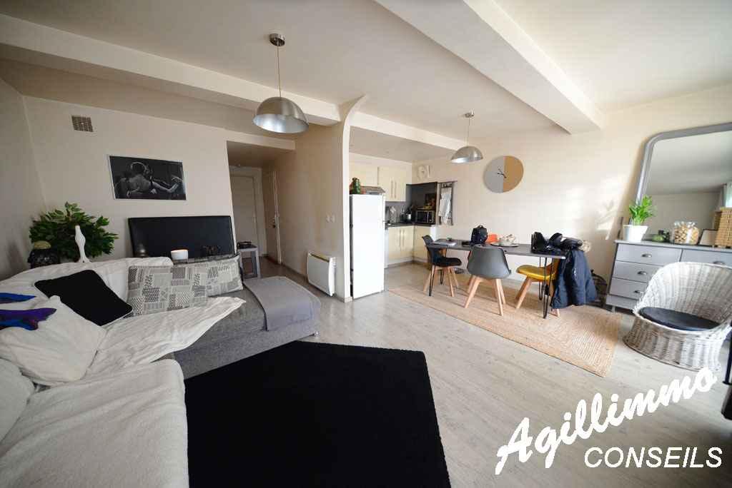 Maison avec 1 local et 2 logements - PUGET SUR ARGENS - Côte d'Azur