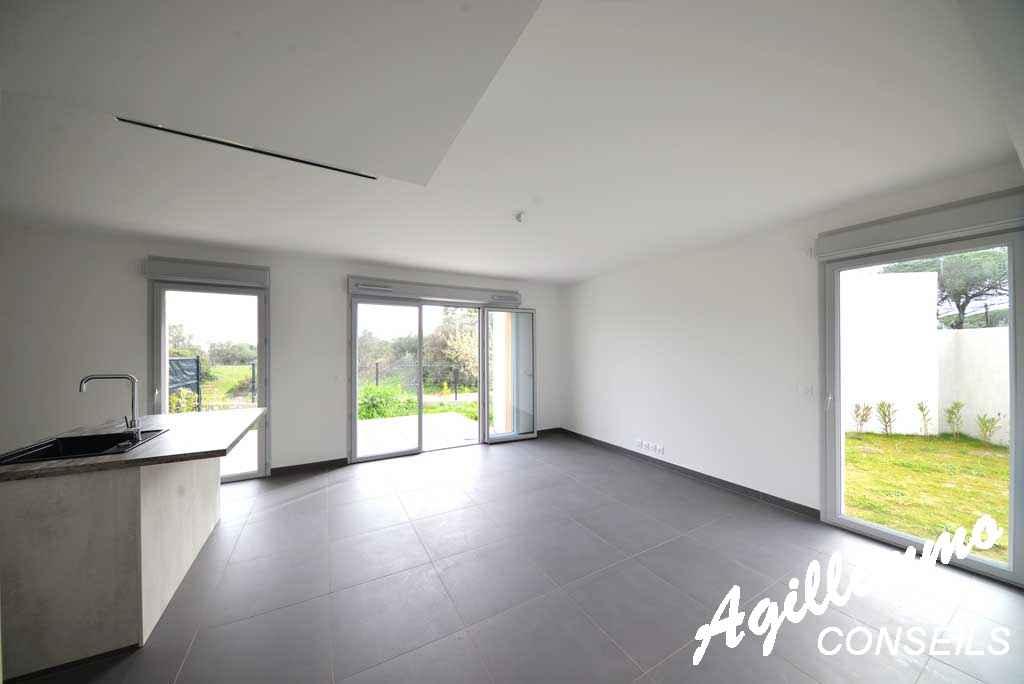 Maison neuve (mitoyenne) de 86 M2 avec garage et jardin de 117M2 - PUGET SUR ARGENS - Côte d'Azur