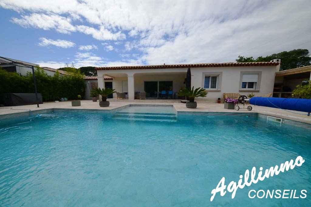 Villa 5 pièces de plain-pied avec piscine - PUGET SUR ARGENS - Côte d'Azur