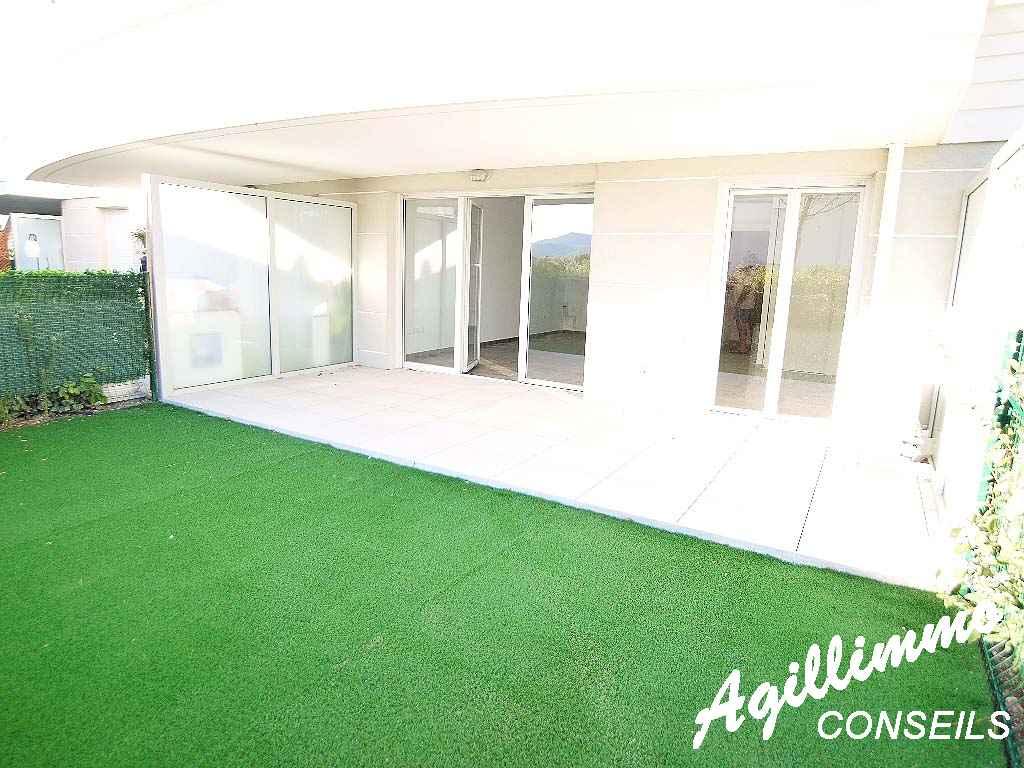 Appartement avec jardin dans une résidence avec piscine - PUGET SUR ARGENS - Côte d'Azur